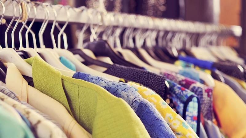 0e4ad16958fa Come e dove vendere i vestiti usati e guadagnare spazio nell armadio ...