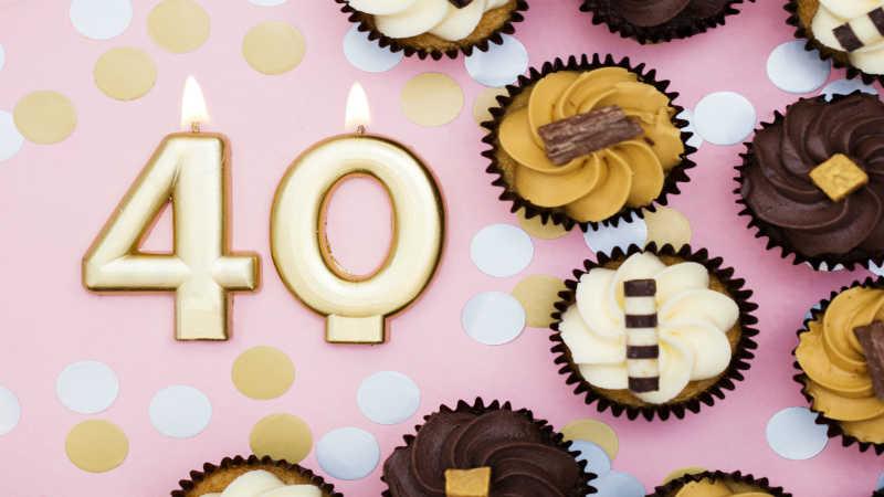 I 40 si avvicinano, non c'è nulla di meglio che organizzare una festa