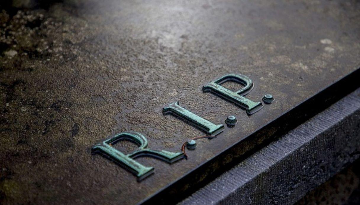 Come ristrutturare la tomba di famiglia
