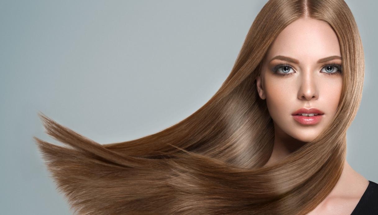 Quale taglio di capelli è più indicato per hi ha il viso lungo?