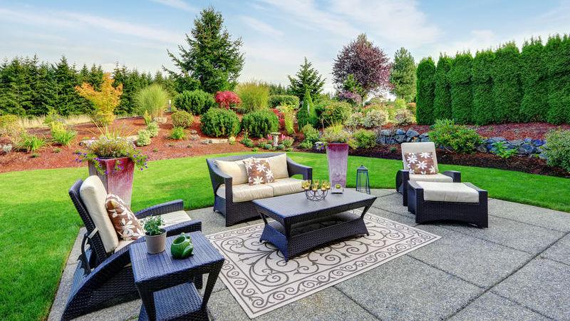 Rivestimenti per esterni e terrazze guida ai materiali più resistenti