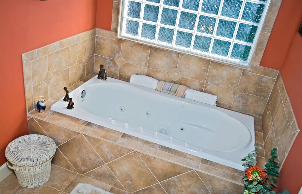 Vasca Da Bagno Materiali : Rivestimento vasca da bagno: qual è il materiale migliore?
