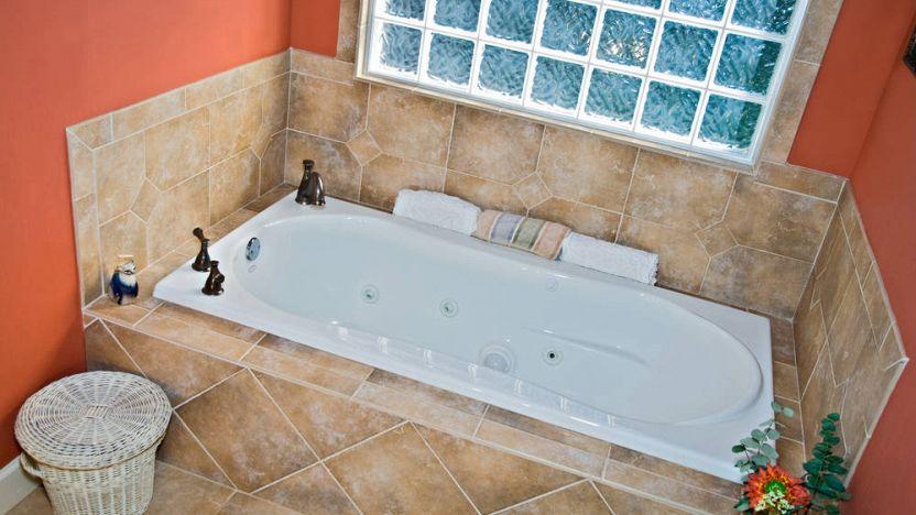 Rivestimento vasca da bagno: qual è il materiale migliore?