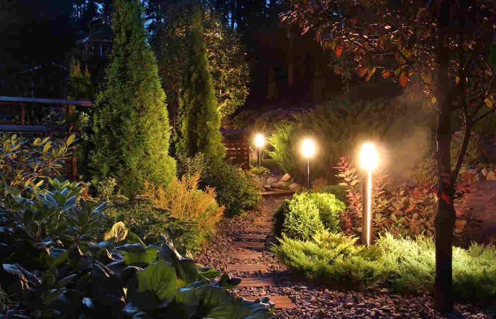 Illuminare il giardino idee e soluzioni