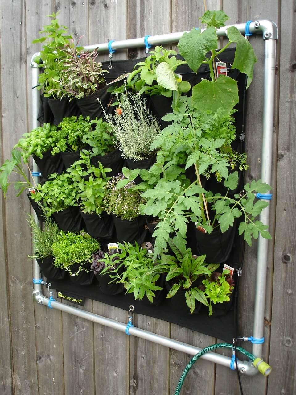 Preferenza 10 idee fai da te per realizzare un giardino verticale FG13