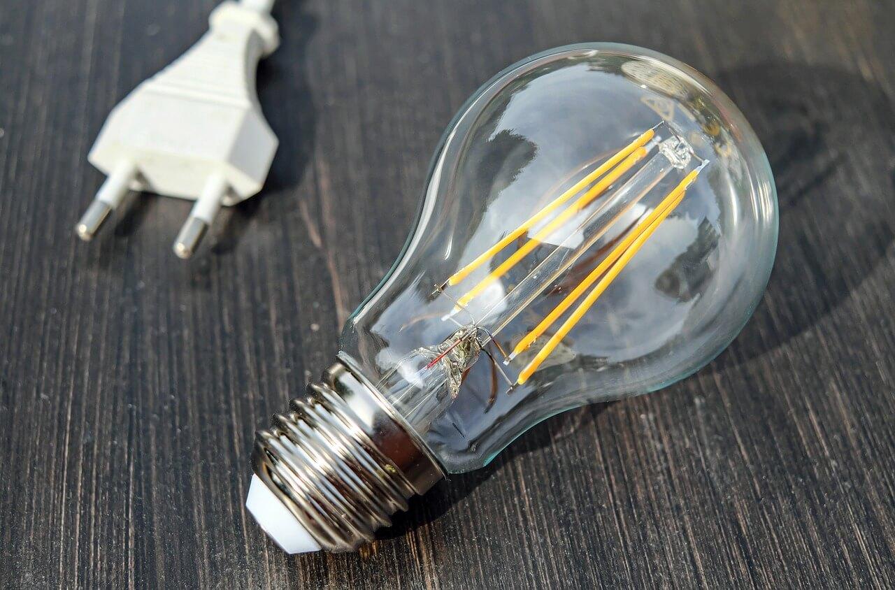 Plafoniere Con Lampade A Risparmio Energetico : Lampadine a risparmio energetico prezzi e tipologie