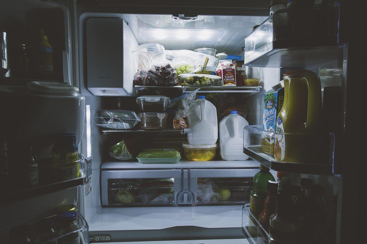 Come Pulire Un Frigorifero Usato come pulire frigorifero e freezer con prodotti naturali