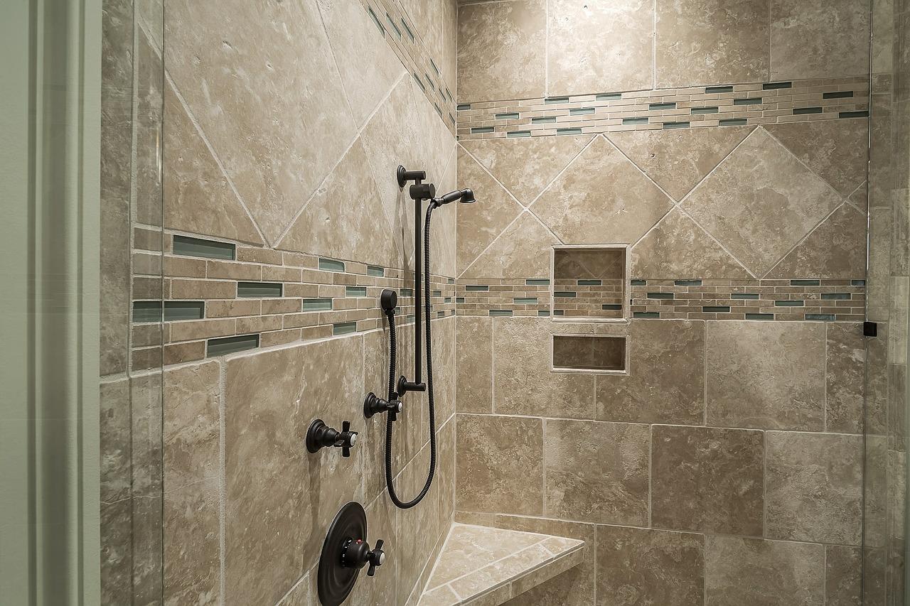 Umidità In Casa Rimedi Della Nonna come pulire le piastrelle del bagno da muffa e calcare?