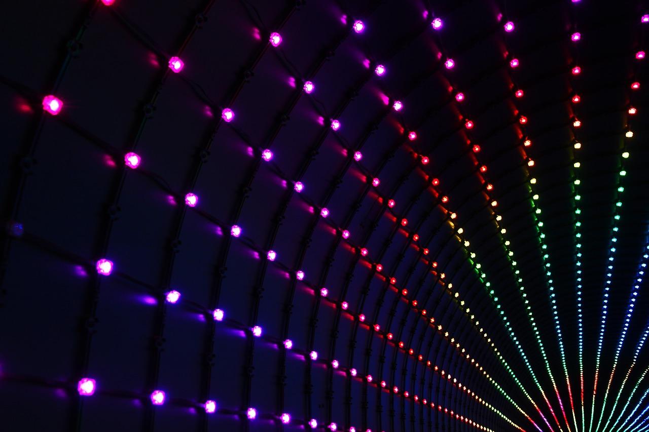 Strip Led Piu Luminosi strisce led adesive: idee e spunti per l'illuminazione di casa