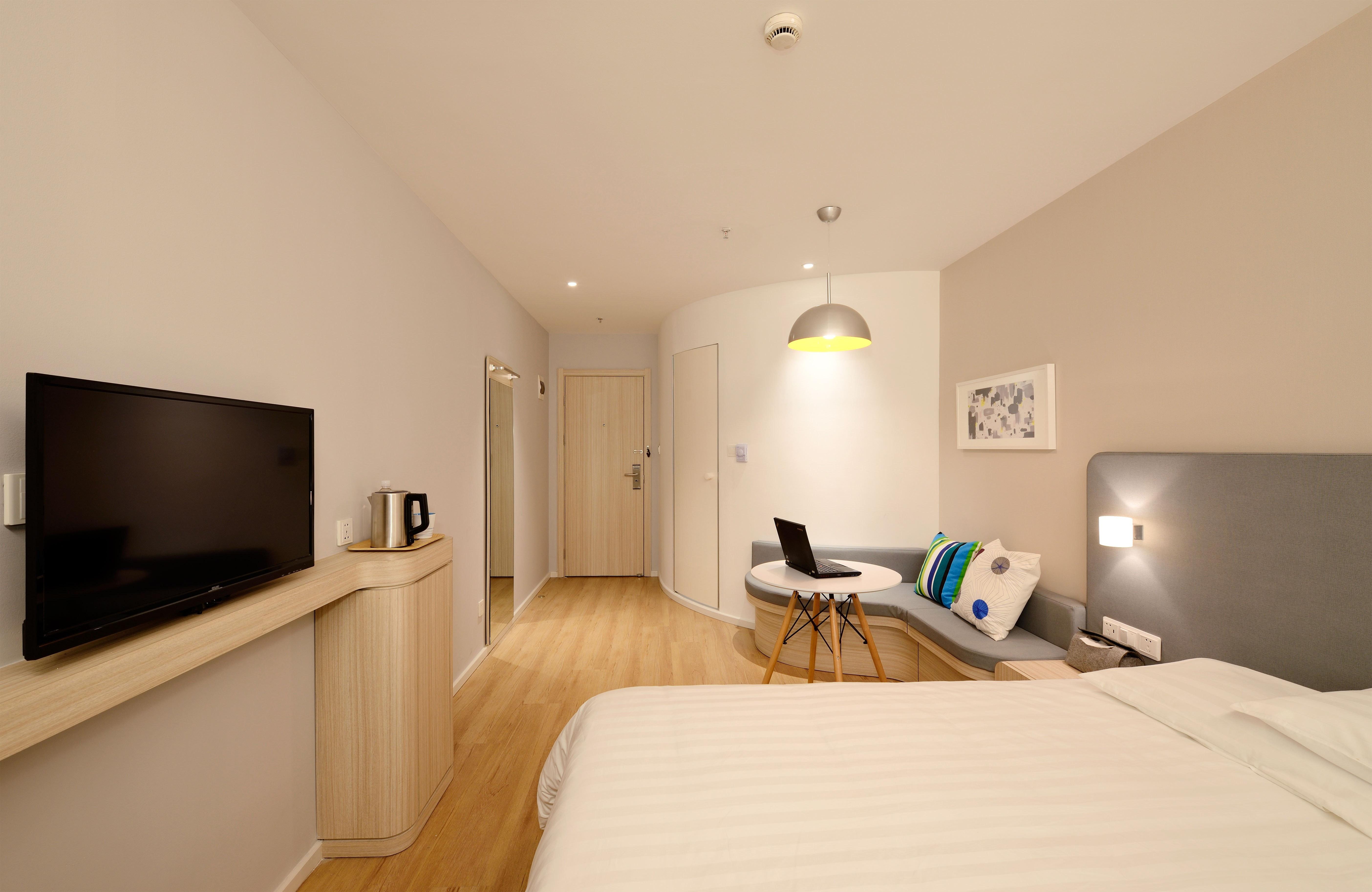 10 idee su dove posizionare la TV in camera da letto