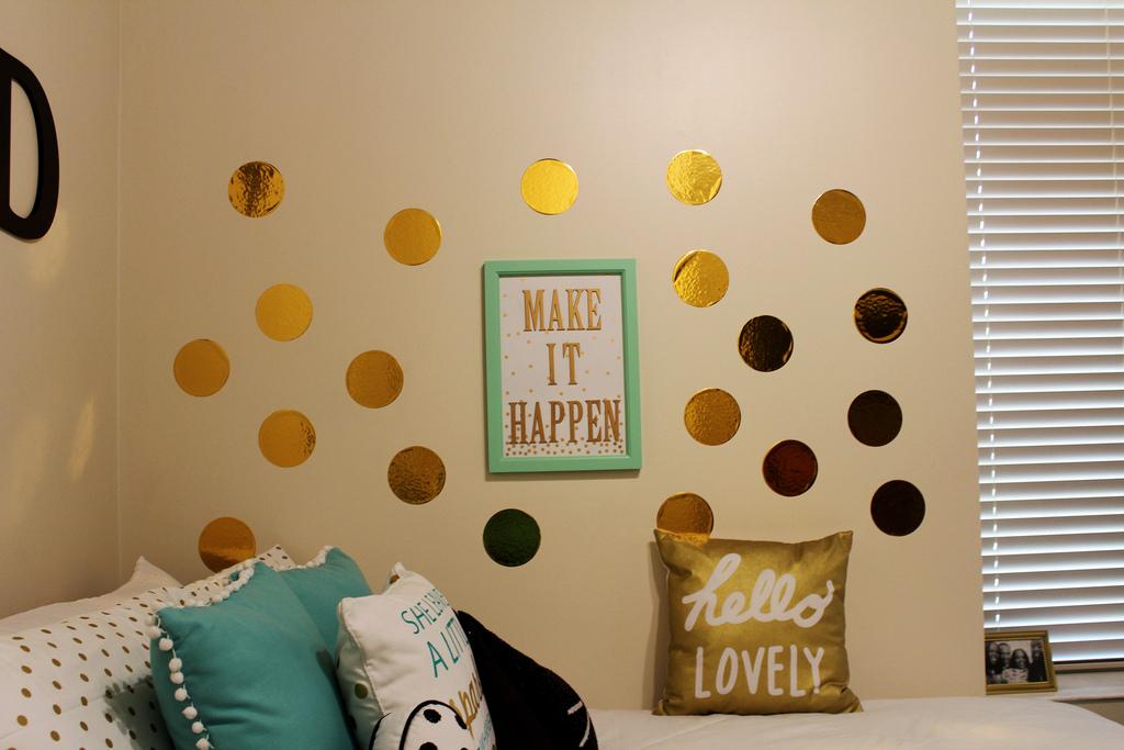Idee Pareti Foto : Pareti a pois tante idee per decorare le pareti di casa