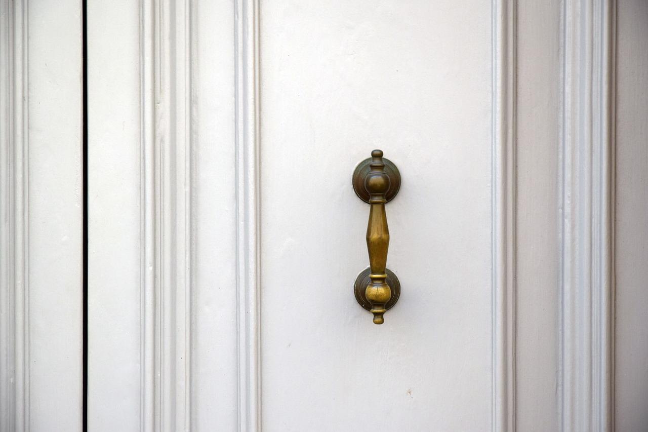 Porte a soffietto in legno: soluzione salvaspazio da ...
