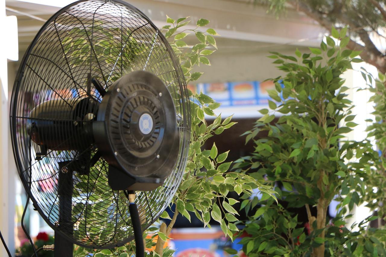 Ventilatore Ad Acqua Nebulizzata.Vantaggi E Svantaggi Di Un Ventilatore Con Nebulizzatore