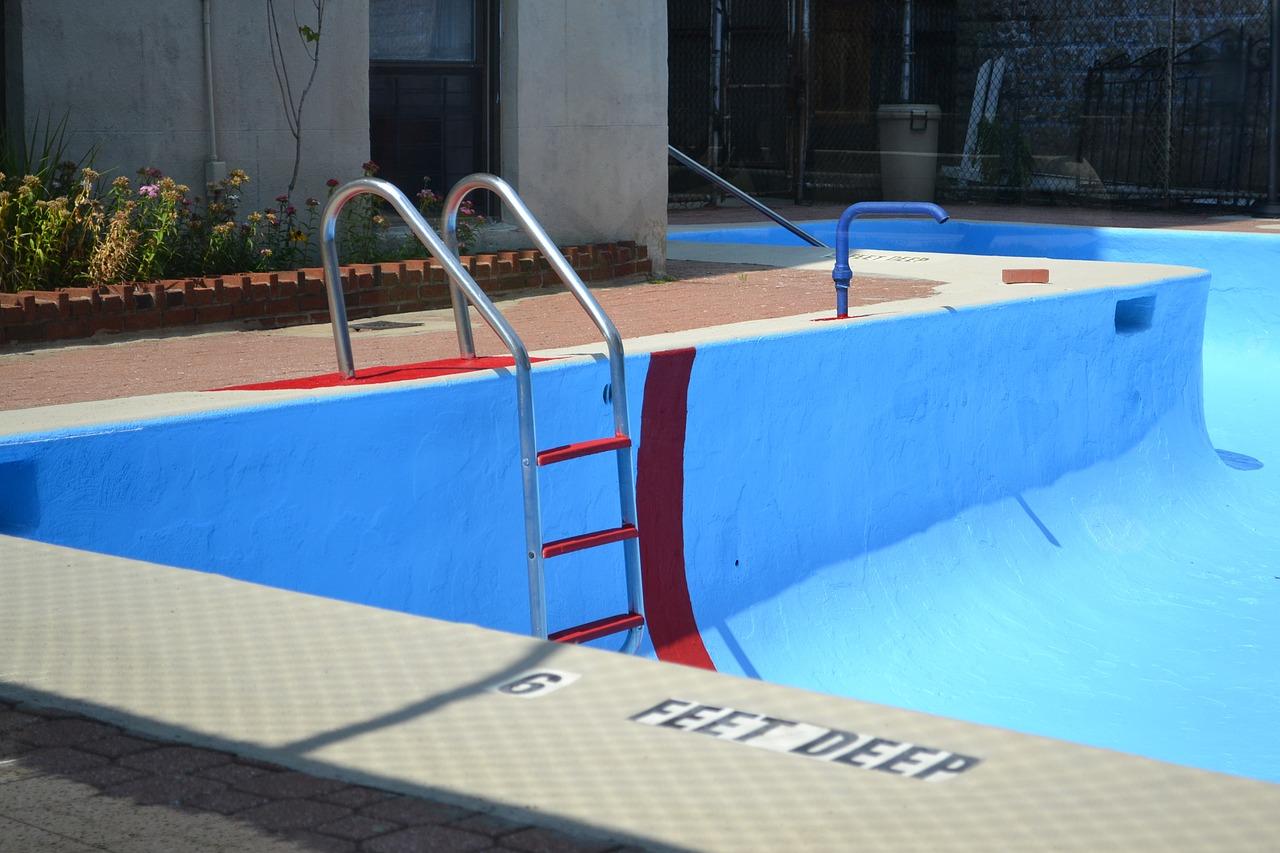 Arredi Per Piscine Esterne come svuotare una piscina fuori terra o interrata?