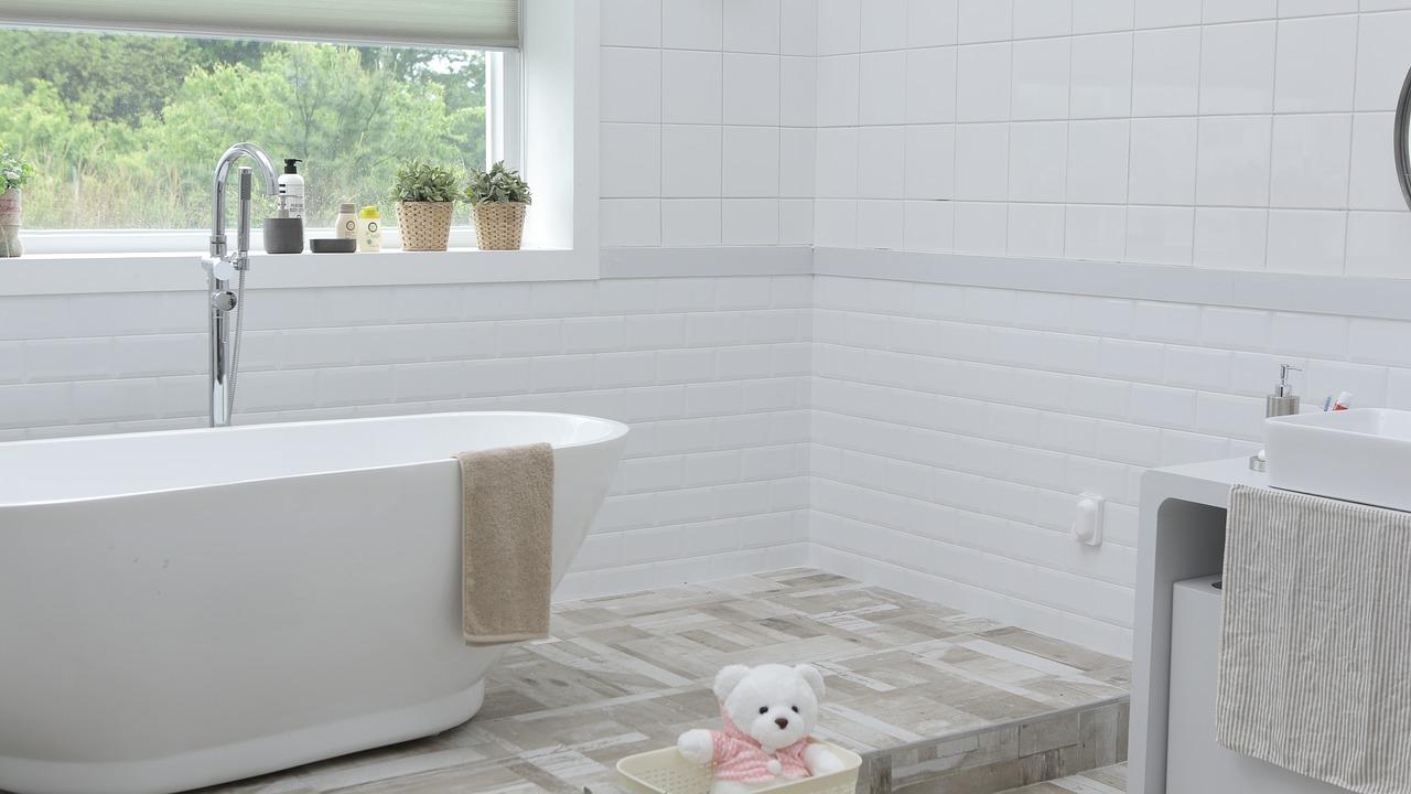 Come realizzare un piccolo bagno in camera da letto?