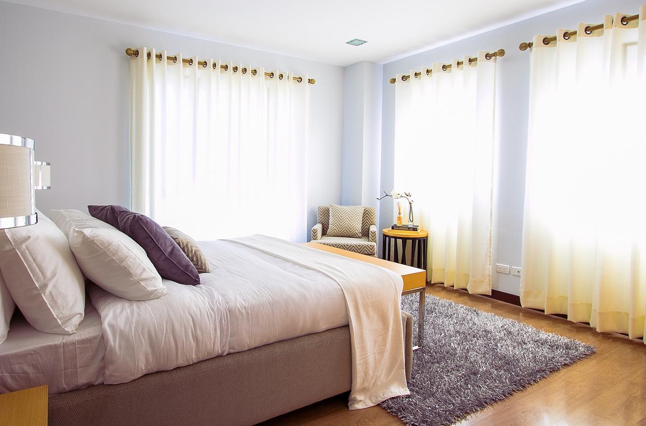 Tipi Di Tende Per Casa tende per finestre ad angolo: tutte le soluzioni e gli accessori