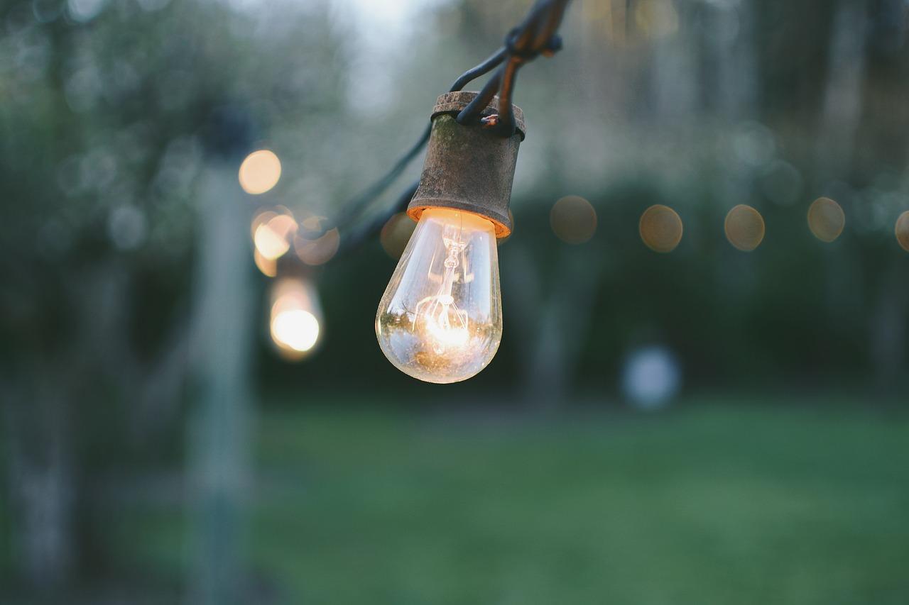 Catena Luminosa Per Foto catene luminose: atmosfera intima e suggestiva per terrazzi