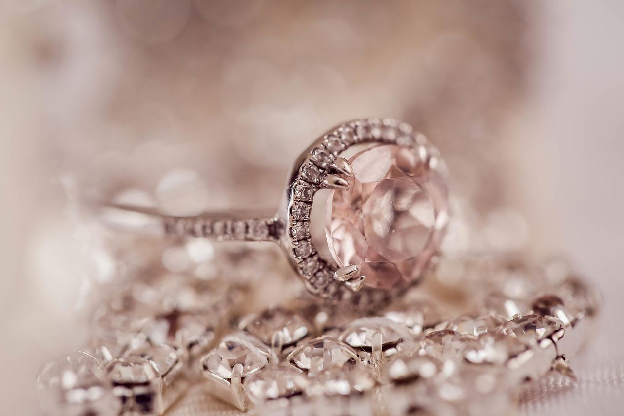 Illuminazione Per Diamanti : Come pulire i diamanti? consigli e rimedi