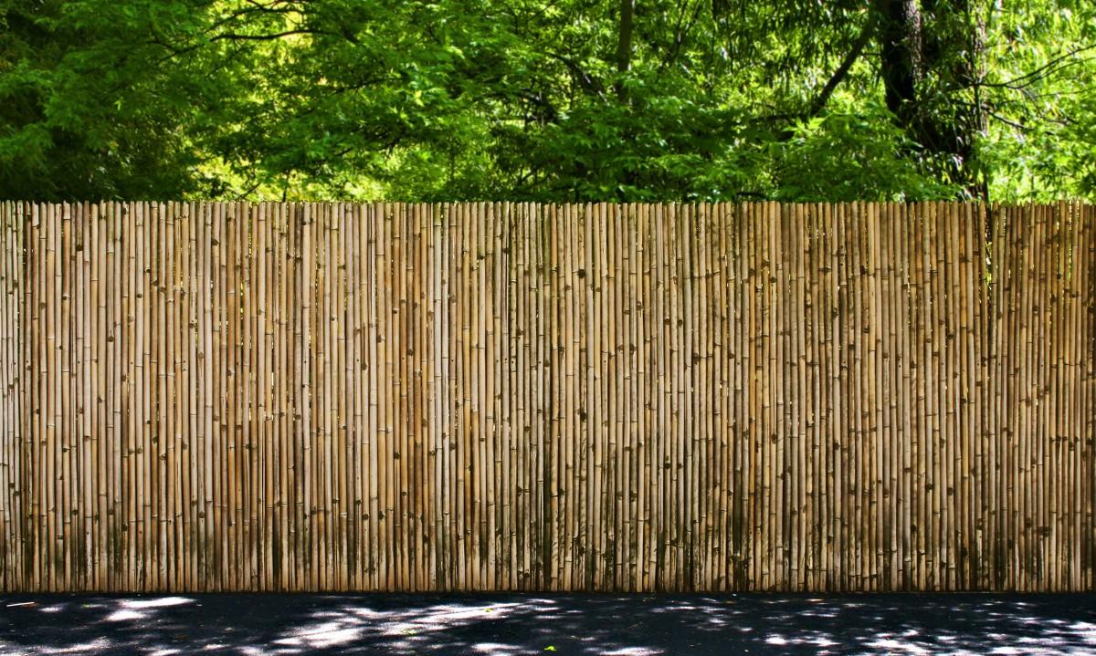 Delimitazioni E Recinzioni In Plastica.Arelle Ombreggianti In Bamboo Legno E Pvc Guida Alla Scelta