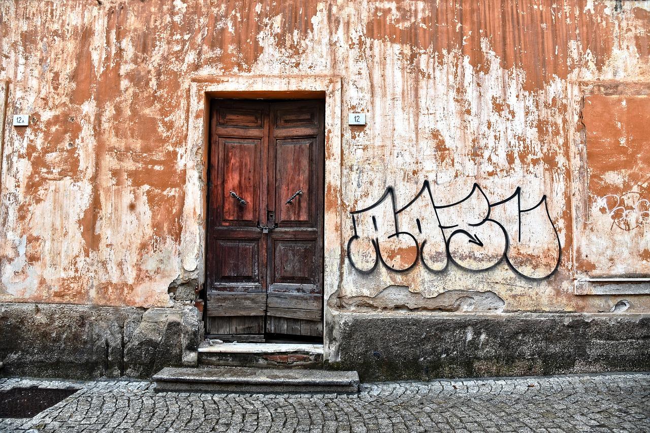 Rimozione Graffiti Quanto Costa Far Rimuovere Le Scritte
