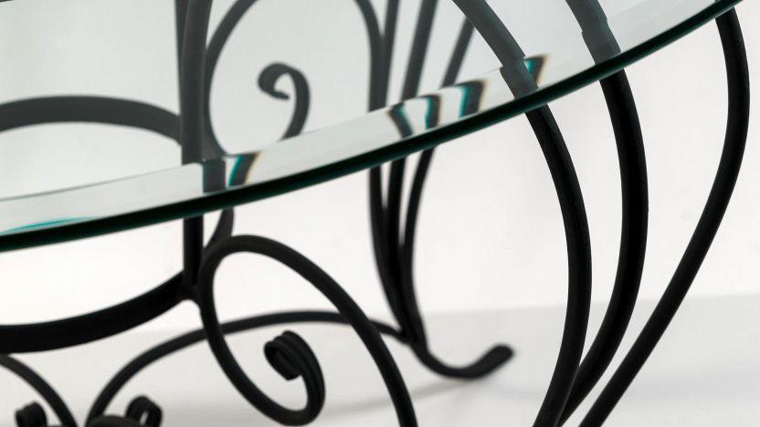 Comodini in ferro battuto: design minimal di grande impatto