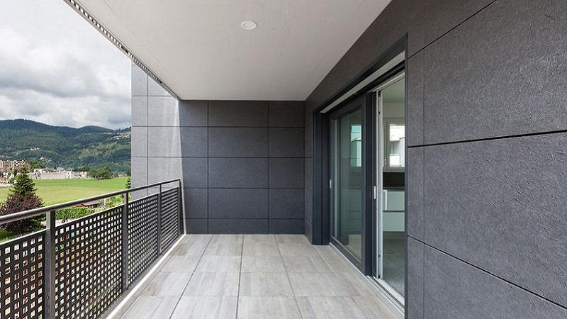 Rivestimenti Balconi Esterni : Impermeabilizzare il balcone senza rimuovere il pavimento: ecco come