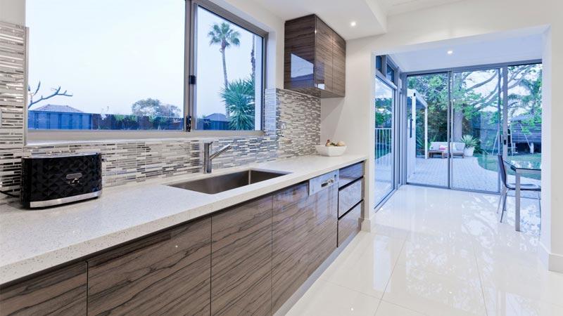 Pavimenti cucina 10 idee per cucine rustiche classiche o for Pavimenti per case moderne