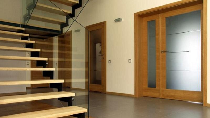 Porte in legno con vetro: modelli e caratteristiche
