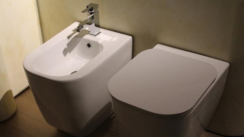 Sanitari a scarico traslato: bagno nuovo in meno di un\'ora