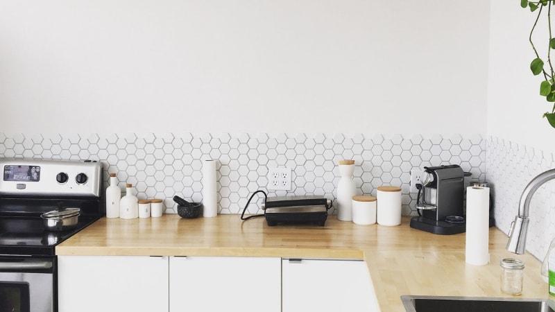 Come arredare una cucina senza pensili