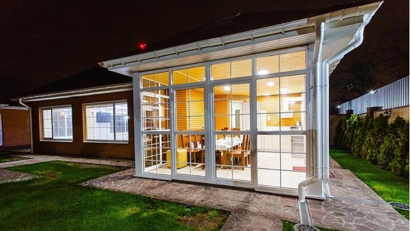 Come illuminare una veranda