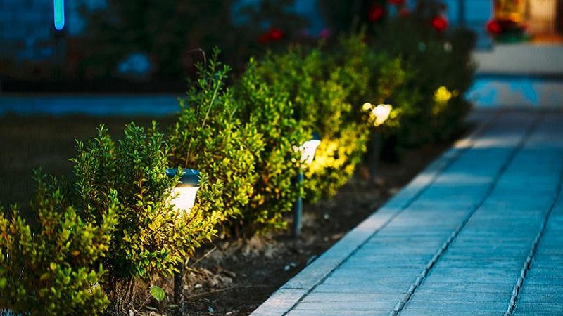 Lampade solari da giardino: cosa valutare prima dellacquisto