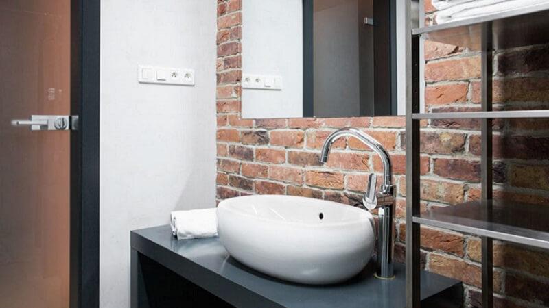 Bagno Piccolo Di Design : Allargare lo spazio di un bagno piccolo le soluzioni