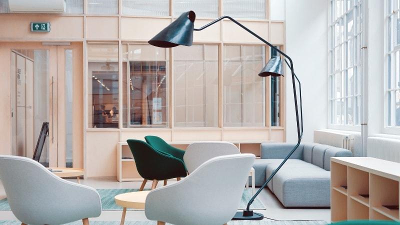 Idee per illuminare un open space cucina e soggiorno