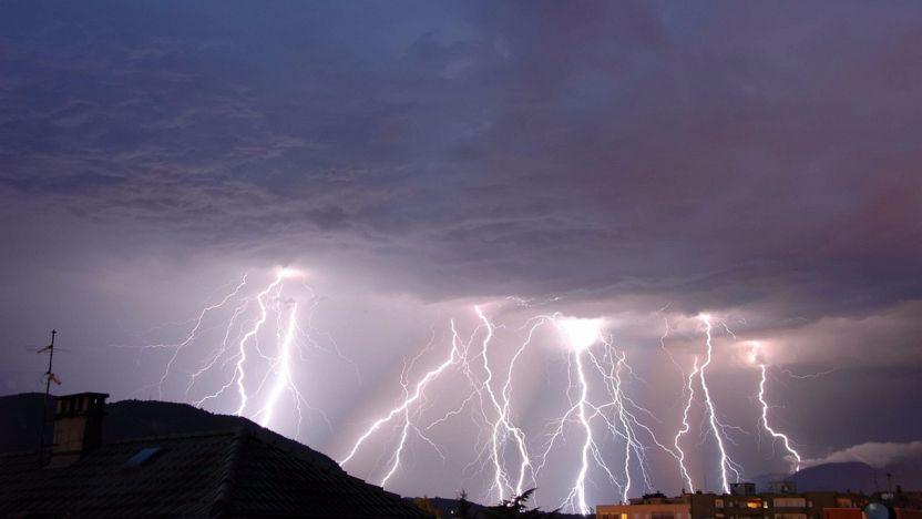 Cosa fare se l'impianto elettrico è danneggiato dai fulmini?