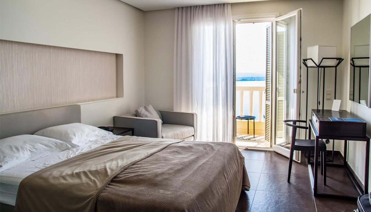 Camera da letto con mobili scuri: che colore per le pareti?