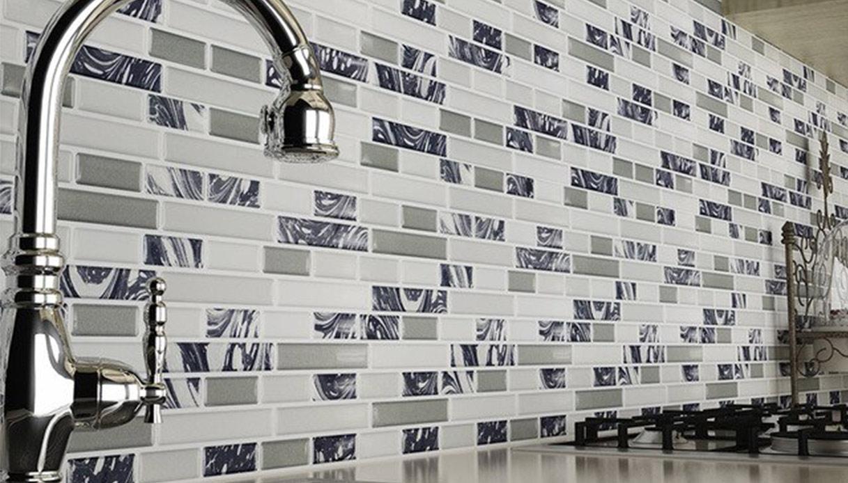 Piastrelle Per Parete Cucina piastrelle 3d: idee per usarle in bagno e in cucina