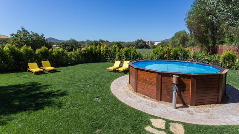 Come rivestire una piscina fuori terra e renderla più bella