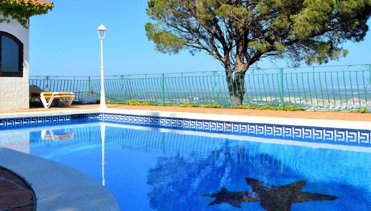 Piscine Interrate Prezzi Tutto Compreso manutenzione piscina: quando cambiare l'acqua?