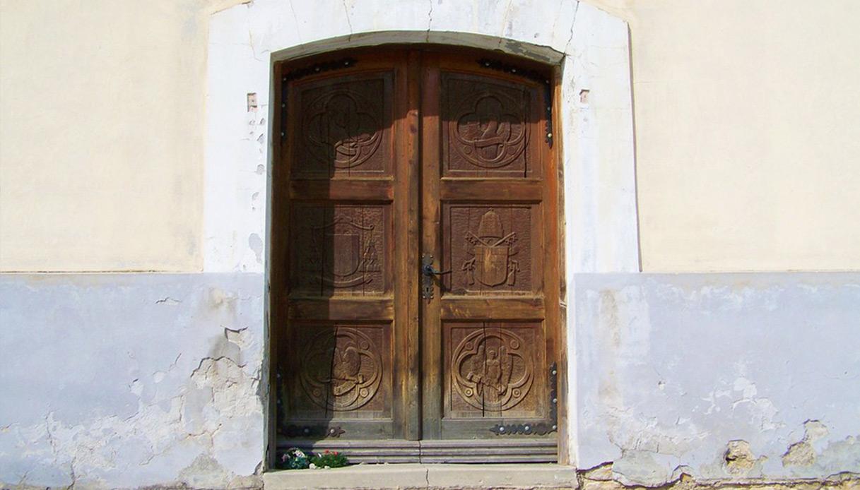 Foto Di Porte Antiche la manutenzione dei serramenti delle porte antiche