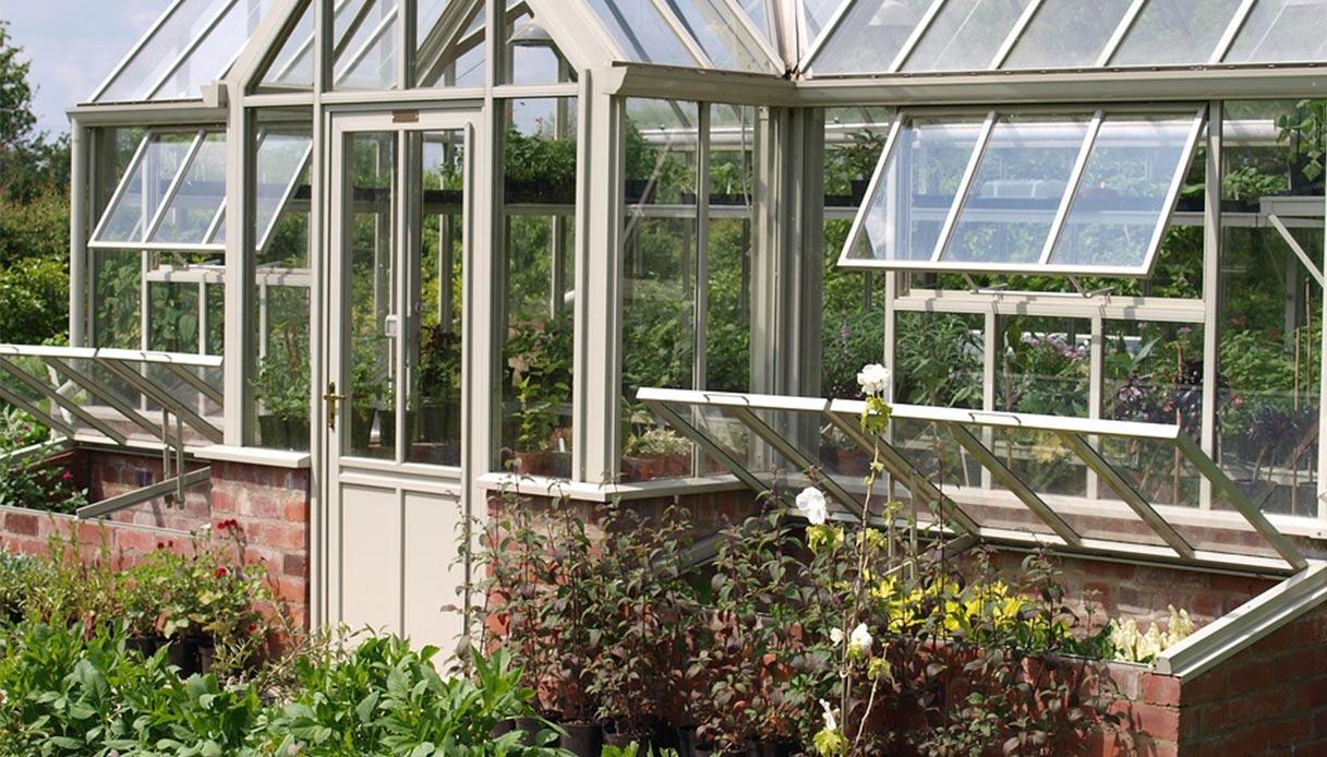 Piante Rustiche Da Balcone serre da giardino: materiali e prezzi