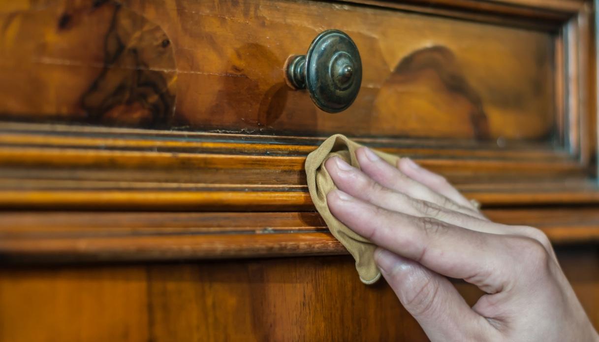 Come Pulire Il Legno Vecchio come disinfettare alla perfezione dei mobili vecchi