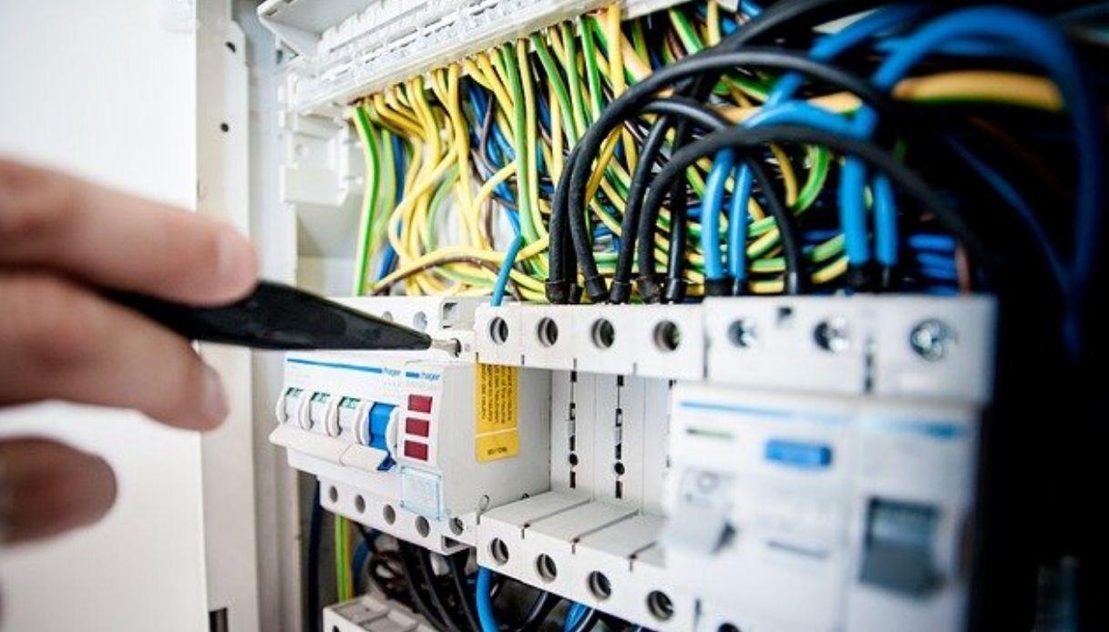 Altezza Quadro Elettrico Appartamento impianto elettrico nel controsoffitto: pro e contro
