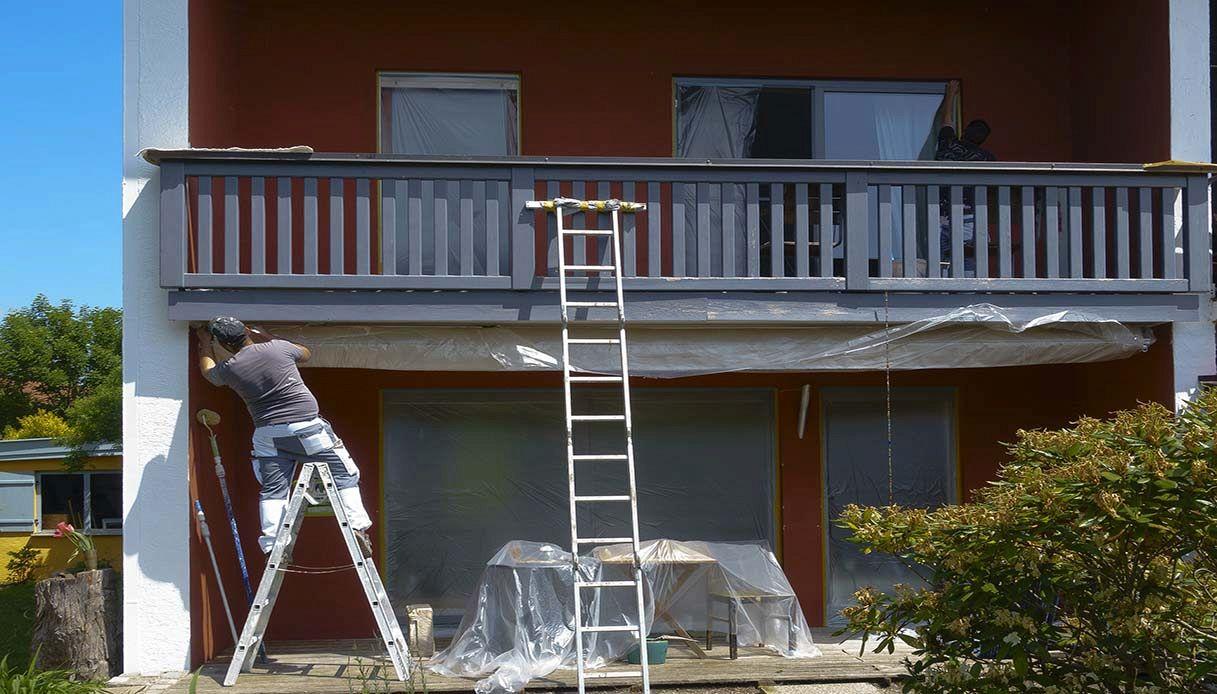 Colore Esterno Casa Moderna pittura per esterni: qual è la tipologia giusta da usare?