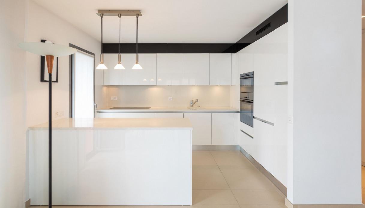 Mobili Per Cucina Piccola cucina con isola a muro: soluzione per piccoli spazi