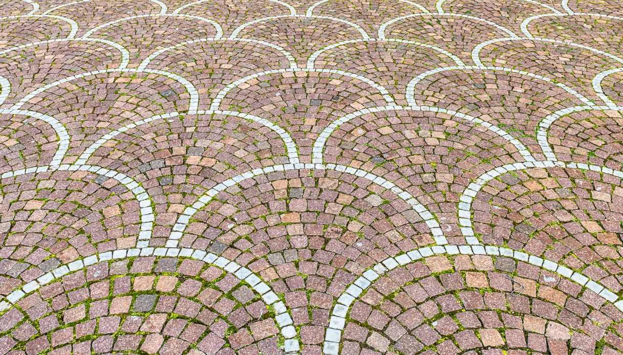 Pavimentazione Giardino In Pietra basolato: cos'è, caratteristiche, prezzi