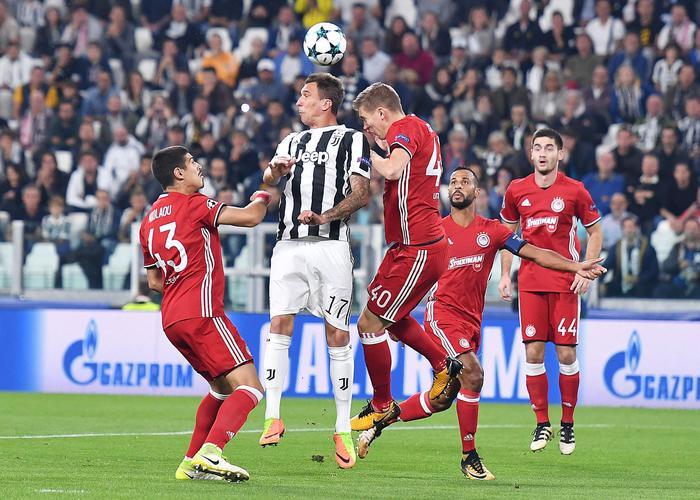 Juve-Olympiakos 2-0, Higuain entra e sblocca la partita