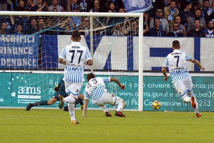 Il Napoli batte Sassuolo 3-1 e torna a +3 su Juventus e Lazio
