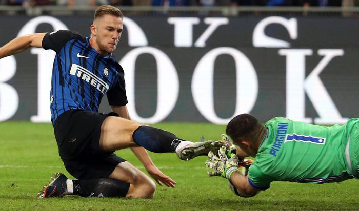 Inter prima domina poi soffre: 3-2 alla Samp. Ora è in testa