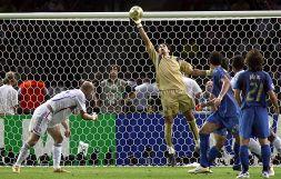 Buffon addio alla Nazionale: storia di un ventennio irripetibile